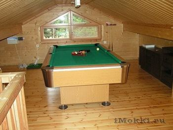 Pool table on the maezzanine